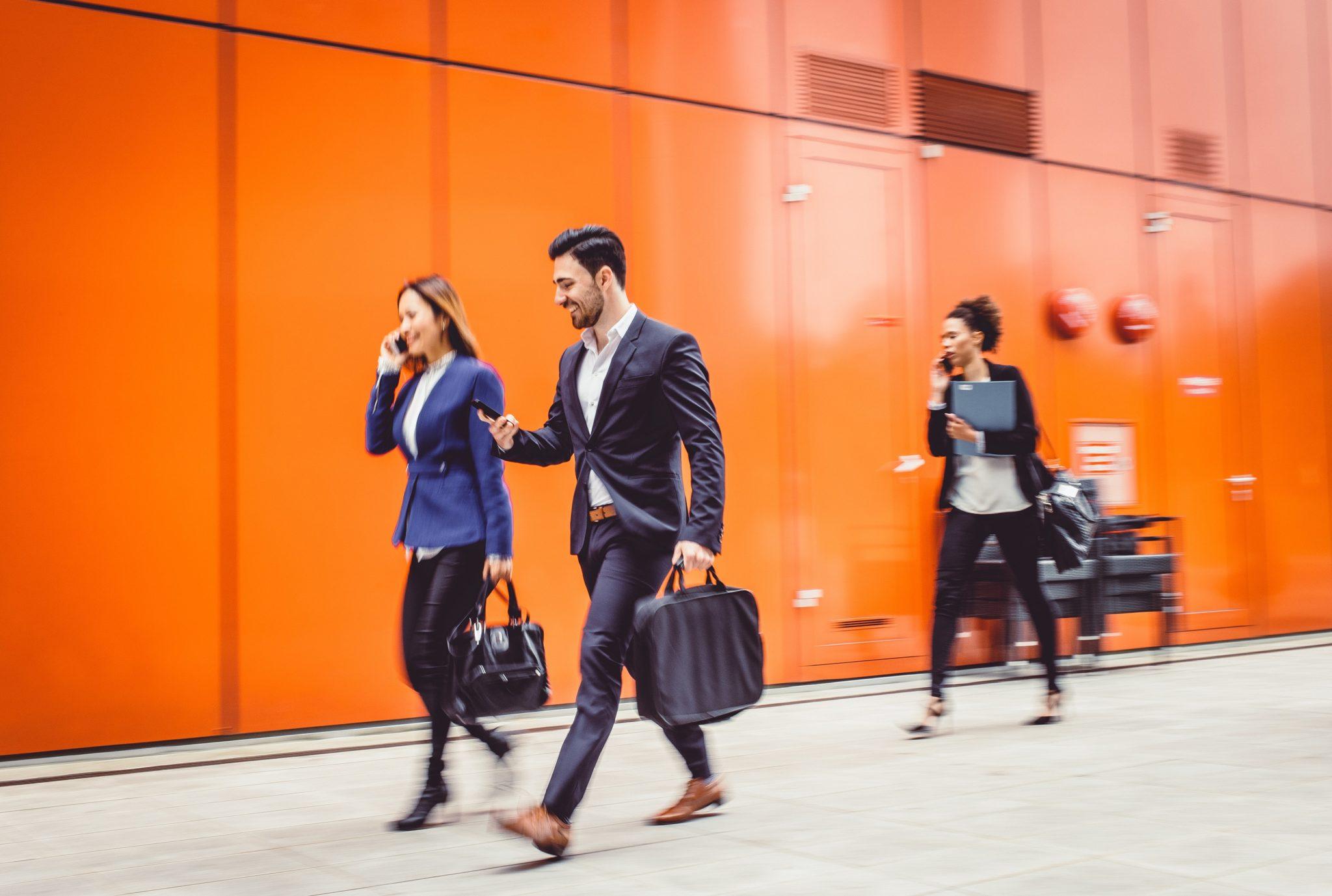 GEN_business_people_walking