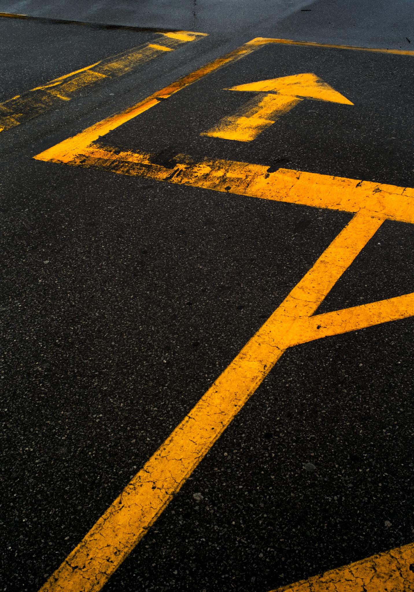 GEN_road_markings_arrows