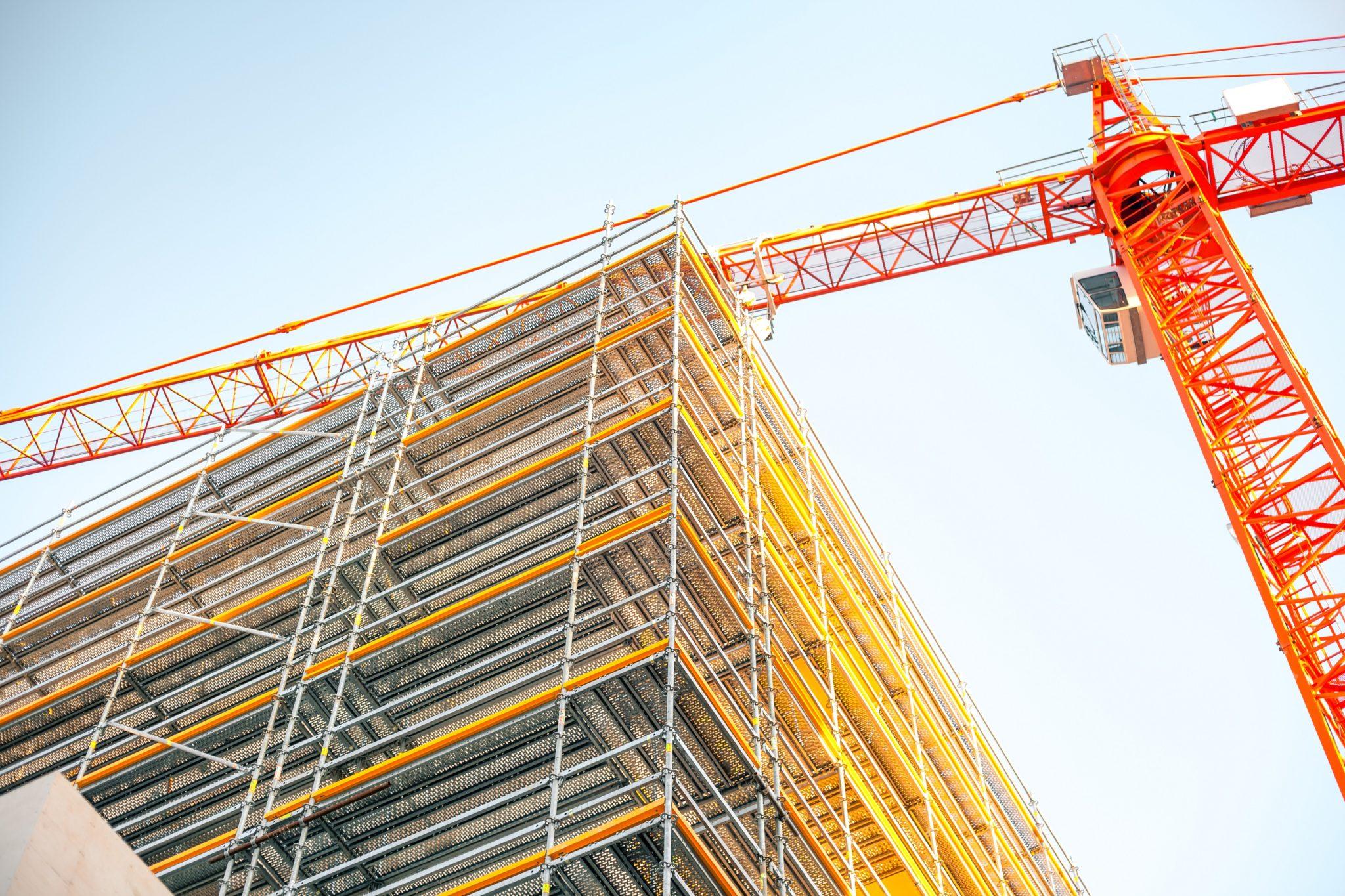 REI_crane_building_construction