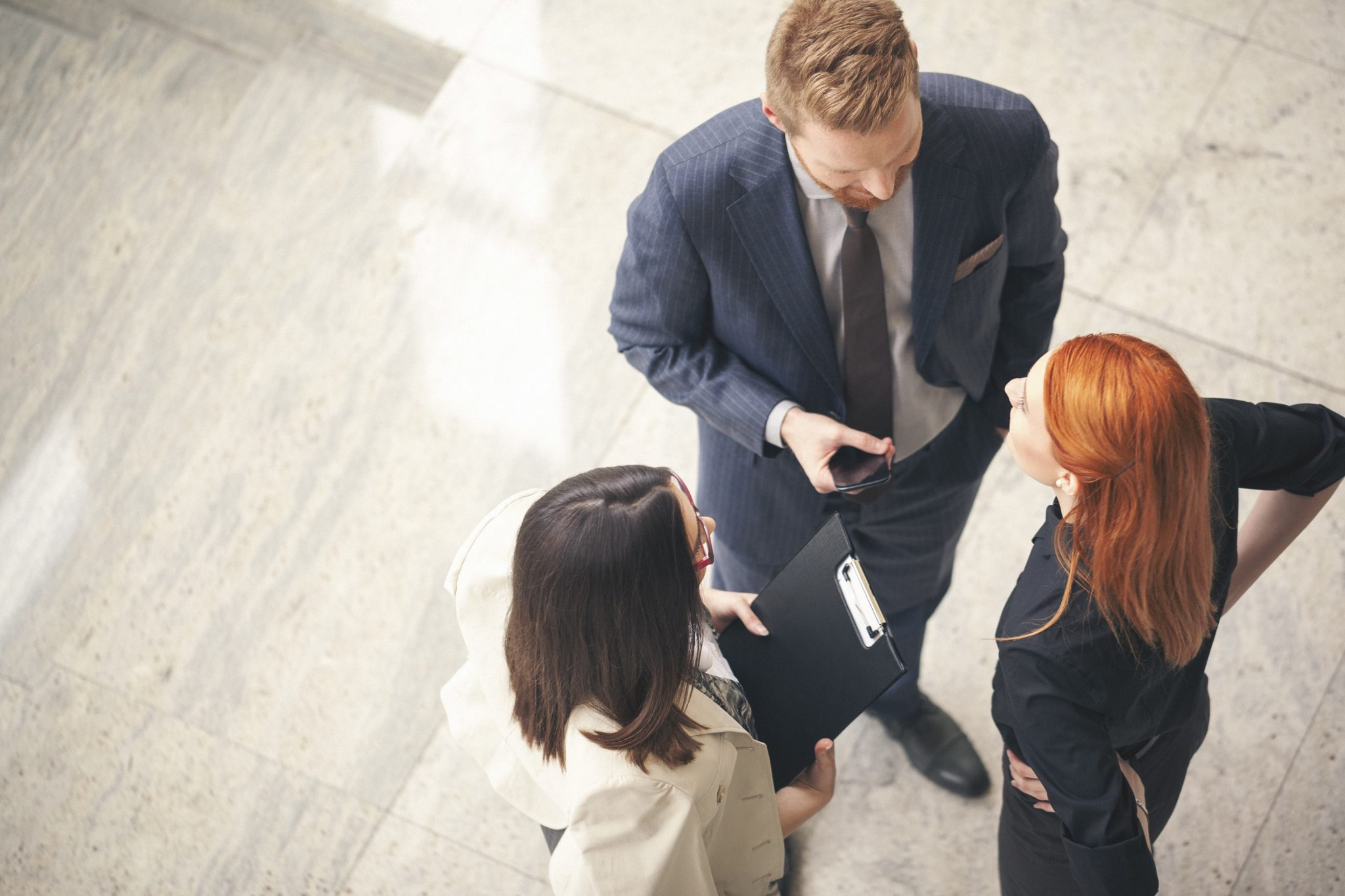 RMT_business_people_talking-2