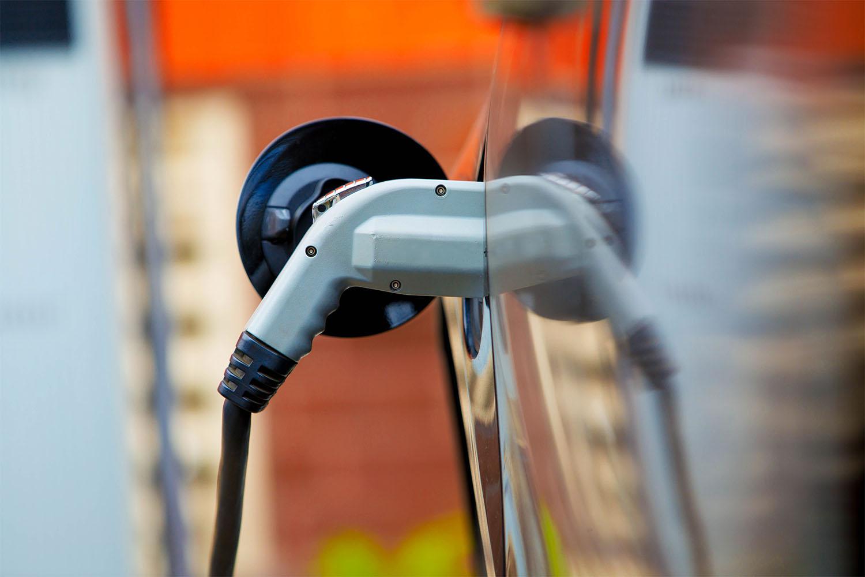 TA_car-charging