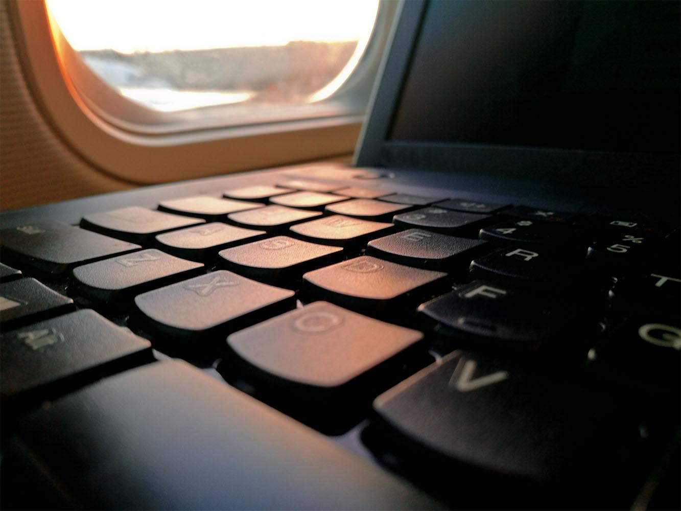 TMC_laptop-travel